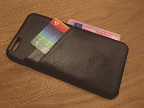 This case allows easy access to the payment card while hiding the ID inside.