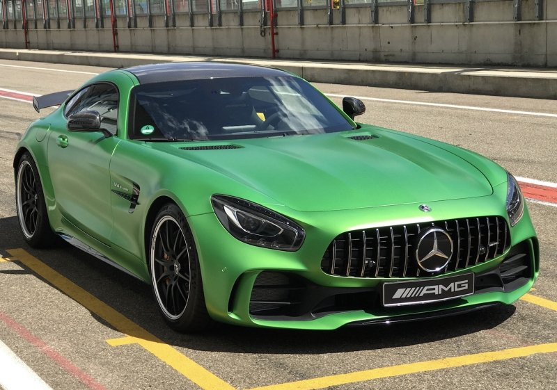 beast of the green hell driving the mercedes amg gt r. Black Bedroom Furniture Sets. Home Design Ideas