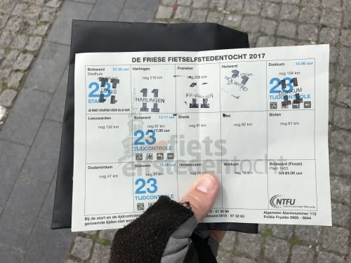 Along the way you collect stamps from the various Frisian cities. You need a completed card in order to collect the medal (Elfstedenkruisje)