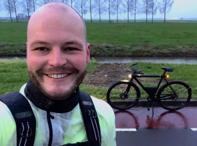 That smile is not because of the fantastic Dutch weather... it's because of that rocket disguised as bike