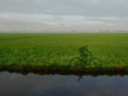 Riding the VanMoof through the Dutch country side