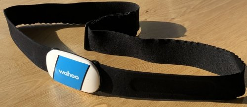 Wahoo TICKR, waist worn strap, measuring heart rate in realtime