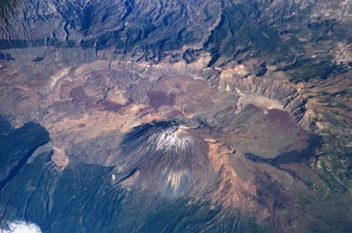 The Las Cañadas caldera on top of Teide, as seen from the International Space Station (public domain)