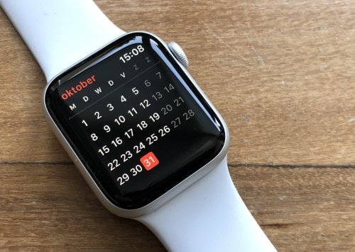 Time and date can be checked easily using Apple Watch