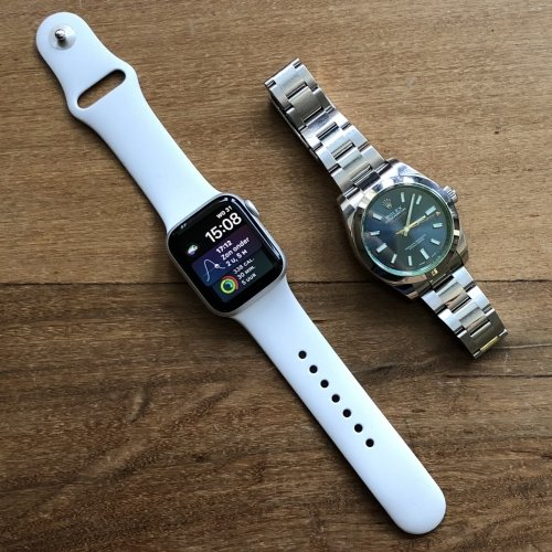 Apple Watch and Rolex Milgauss 116400GV