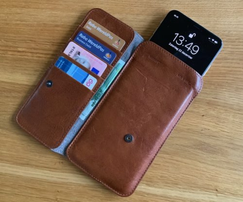 Hardgraft iPhone cash card wallet