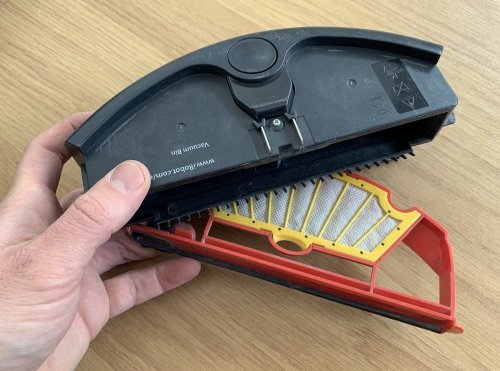 How to clean the brushes from a robot vacuum cleaner - My iRobot