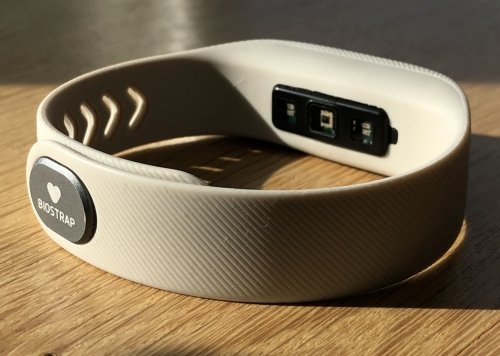 Biostrap features an optical sensor, located at the center, right between two LED's