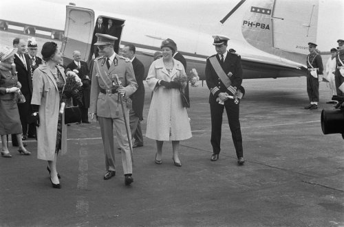 The PH-PBA taking Queen Juliana and Prince Bernhard to Belgium, May 1960 (Ministerie van Infrastructuur en Waterstaat)