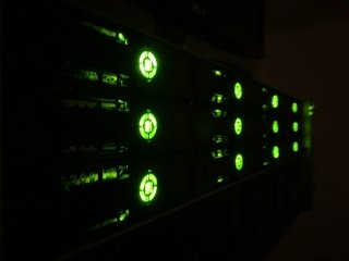 This month I installed a professional HPE ProLiant DL380p server in a datacenter in Amsterdam, read this post to see how this was done!