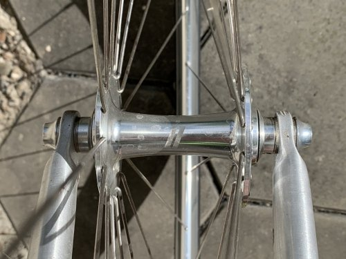 The Alexrims CX30 silver high polished wheels have high quality hubs ensuring a smooth ride