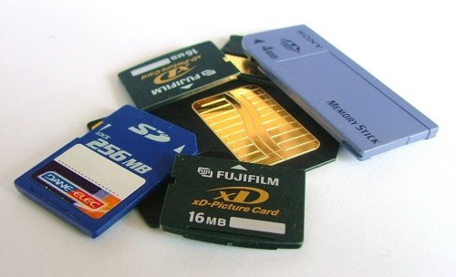 Yesteryear's memory cards - note that they are sized in MB, as in mega, not gigabyte!