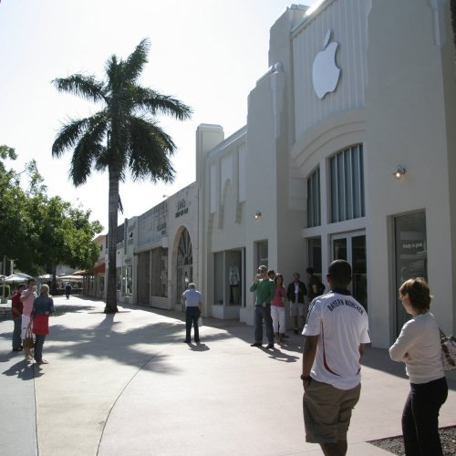 Visiting the Apple Store in Miami Beach in 2008